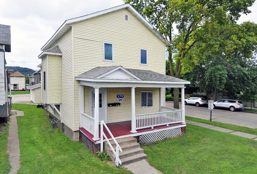 179 W 4th St. Winona, MN