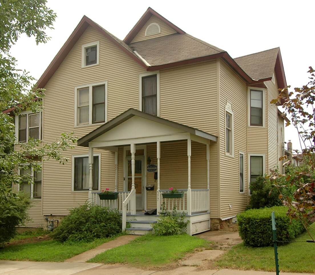 577 Sioux St. Winona, MN